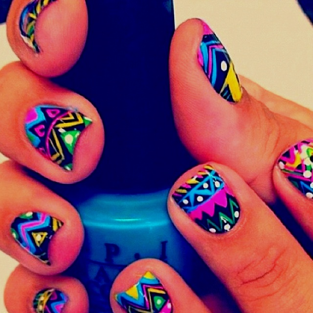 BoHo nails :) So cute, I'll have to try this when I have several free hours :p