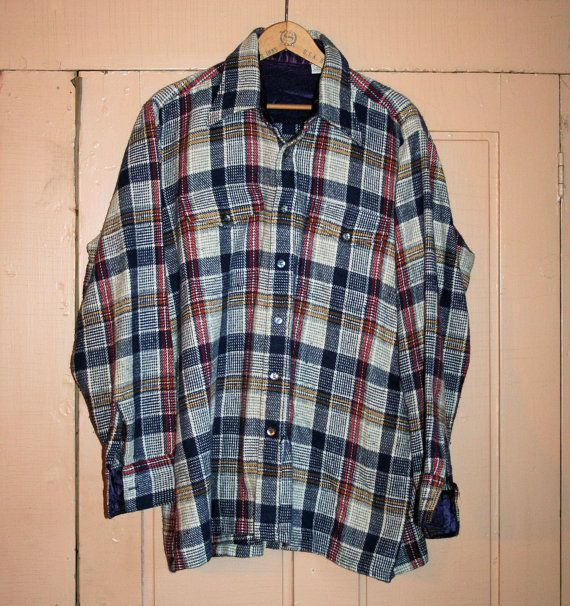 This is a good rugged 1980s vintage mens work shirt in for Navy blue and red flannel shirt