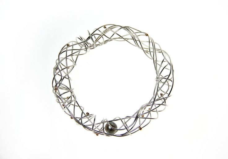 CROSSING PATHS, bracelet en argent sterling, or 14ct et perle de Tahiti.