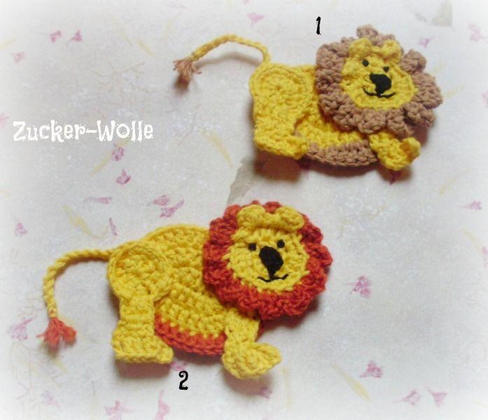 Häkelapplikation Löwe mit Wackelköpfchen. Durch eine spezielle Häkeltechnik ist der Kopf vom Löwen fest mit dem Körper verbundn , aber trotzdem bew