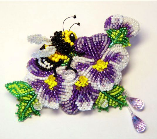 Beaded Embroidery brooches by Lubov is this me or WHAT?????pansies, a bee, and purple all in one thing!!!lol!