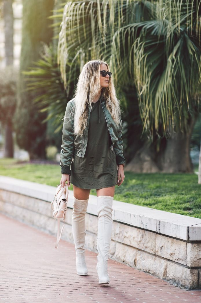 Bomber-Jacken mit Kleid und über den Knieaufladungen bmodish #fashion #women #mode #mode2016 #outfits #hair #beauty #vogue