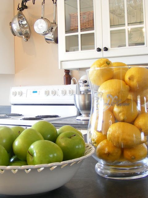 10 Tips for Staging Kitchens and Dining Spaces. part 3 in a series called Home Staging 101.