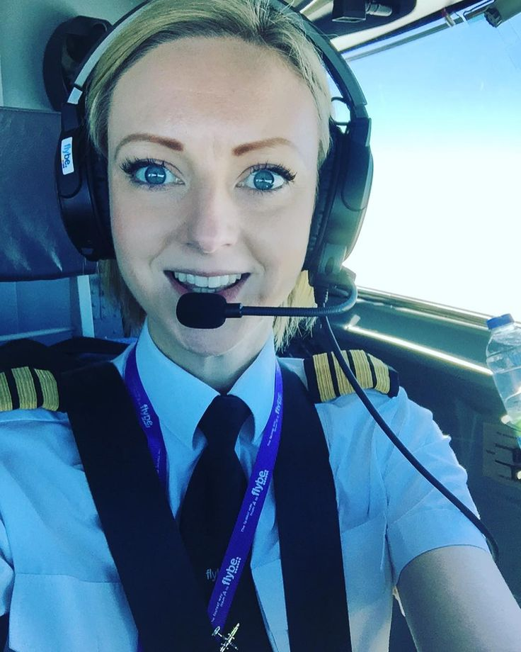 Blues skies and sunshine: a perk of the job  what do you love about your job? #femalepilot #aviation #captain