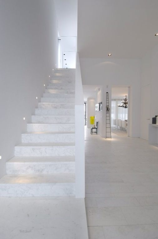 Modern Staircase with simple marble floors, High ceiling