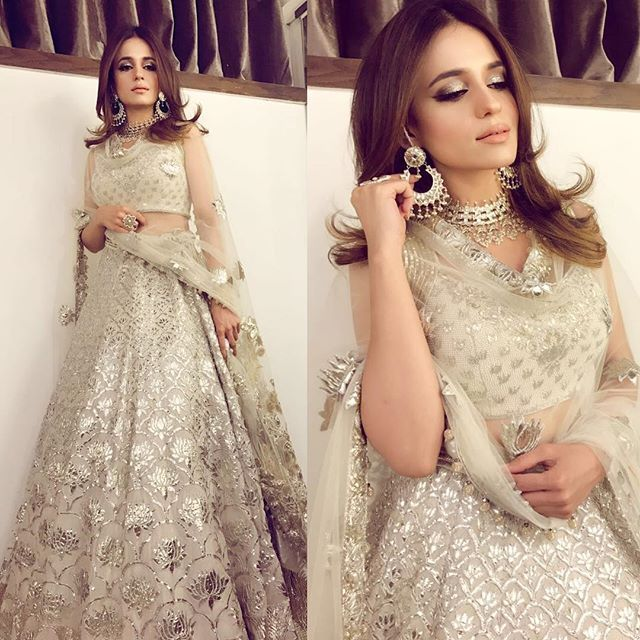 WEBSTA @ nichelifestyle - @sumbuliqbalkhan looks stunning in this @divanipakistan outfit at a wedding. #divanipakistan #divanibrides #elegance #bling #white
