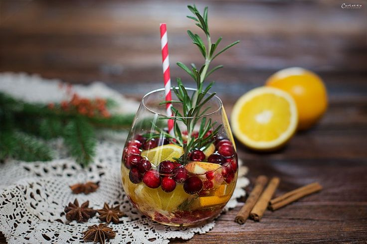 Ein feines Cocktailrezept für die Advents- & Winterzeit: Winter Sangria. Ein schönes Rezept für Winter Sangria.