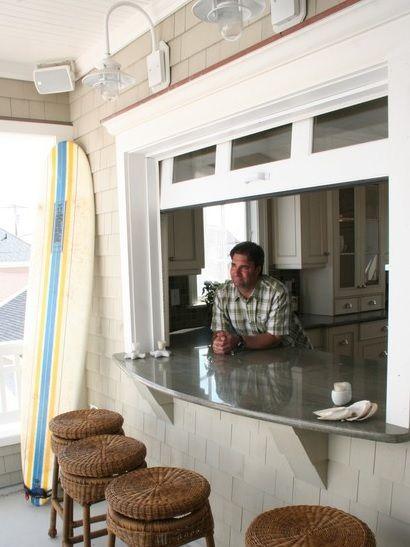 летняя кухня-беседка может иметь окно как у бич бар для бассейна