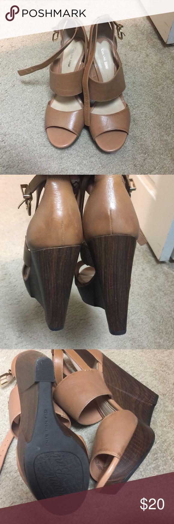 Gianni Bini NWOT Gianni Bini Wedges, love these shoes, never been worn as seen in the photos. Gianni Bini Shoes Wedges