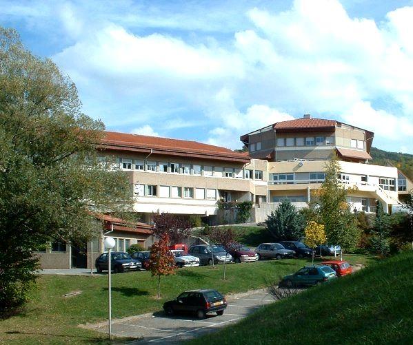 Le Lycée agricole des Hautes-Alpes, unique établissement public de formation initiale agricole du département, se situe sur la commune de Gap (Préfecture du département), à proximité du hameau des Emeyères. A 850m d'altitude, il est le second plus haut lycée agricole de France. Aux portes du Parc National des Ecrins, il bénéficie d'un environnement naturel exceptionnel.