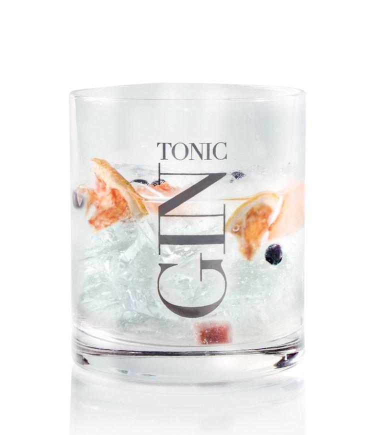 die besten 25 gin tonic gl ser ideen auf pinterest gin und tonic gl ser gin gl ser und. Black Bedroom Furniture Sets. Home Design Ideas