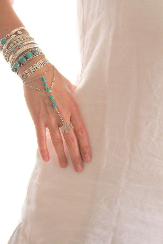 Thunderbird Gorgeous silver chain and Turquoise slave bracelet Adjustable Hand piece Native style piece Bohemian