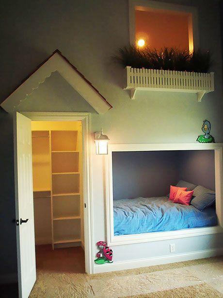 Çocuk odası dekorasyon fikirleri en yaratıcı örnekleriyle karşınızda… Birbirinden olağanüstü, her çocuğun başını döndürebilecek yaratıcı çocuk odası dekorasyon fikirlerine göz atabilirsiniz… Çocuk odası dekorasyon fikirleri konusunda yaratıcı örnekler arıyorsanız, harika tasarımlar getiriyoruz karşınıza… Her çocuğun hayalini süsleyecek, olağanüstü tasarımlar şanslı çocuklar için tasarlanmış. Çocuk odaları, onların öğrenmek, oyun oynamak, uyumak, gelişimlerine katkıda bulunması açısından son…