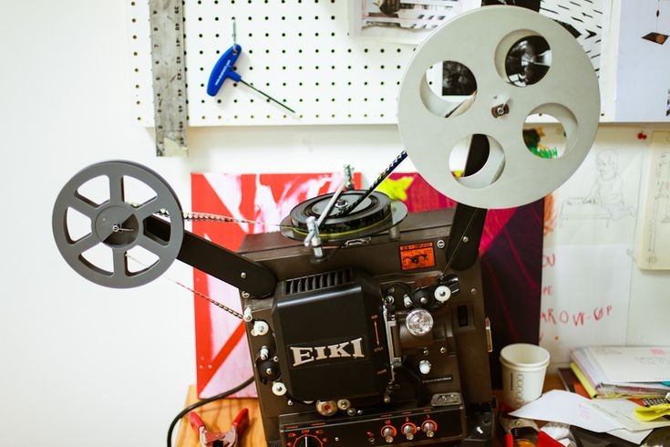 Like this type of cinematograph!: Movie Projector, Movies Projectors, Retro Movies