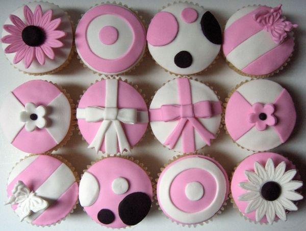 Roze & Zwart & Wit Fondant Cupcakes