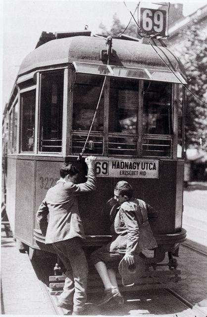 Tujázó gyerekek, 1936, Kinszki Imre. Hungarin