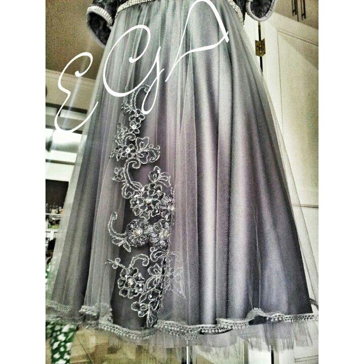 costum dress