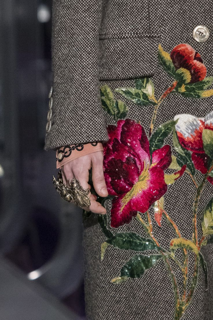 Gucci Fall 2017 Fashion Show Details, Milan Fashion Week, MFW, Runway, TheImpression.com - Fashion news, runway, street style, models