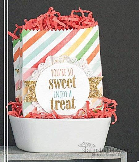 Mini Treat Thinlits Dies Sweet Treats Bag created by concept artist at Stampin' Up! these little bags are so much fun to make! www.stampstodiefor.com #stampinup #treatbags