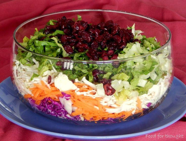 Πολύχρωμη αποκριάτικη σαλάτα. http://laxtaristessyntages.blogspot.gr/2015/02/polyxromi-apokriatiki-salata.html