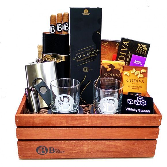 The 25+ best Groomsmen gift baskets ideas on Pinterest | Diy ...