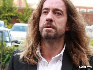 """""""Justin Lee Collins 'pushed girlfriend into traffic' - Mr Collins denies harassing girlfriend Anna Larke. TV presenter Justin Lee Collins pushed his girlfriend in front of traffic after a drinking session with his co-star Alan Carr, a court has heard"""" ~ how horrid!"""