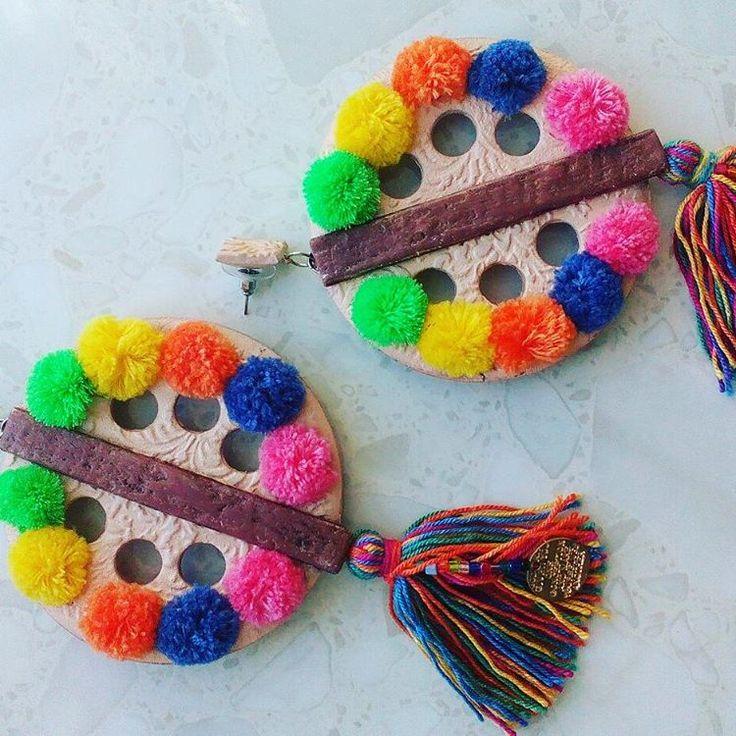 Серьги Pom-Pom! #Помпоны снова и снова приводят в восторг #дизайнеров и #модников. Очаровательные #помпоновые #серьги – это хороший #акцент к #ярким #нарядам!  Цена - 2.000р. MultiPom-PomEarrings! #Pompom #style has enthralled #designers and the #fashionmongers again and again. Adorable #Pompom earrings are good #accent for #outfits!  WhatsApp +7 960 824-84-60 #Musthave  #hello_vacation #vacation #vacationmood #handmade  #style #vacationlook #отпуск  #jewelry #jewellery #streetstyle #itgirl…