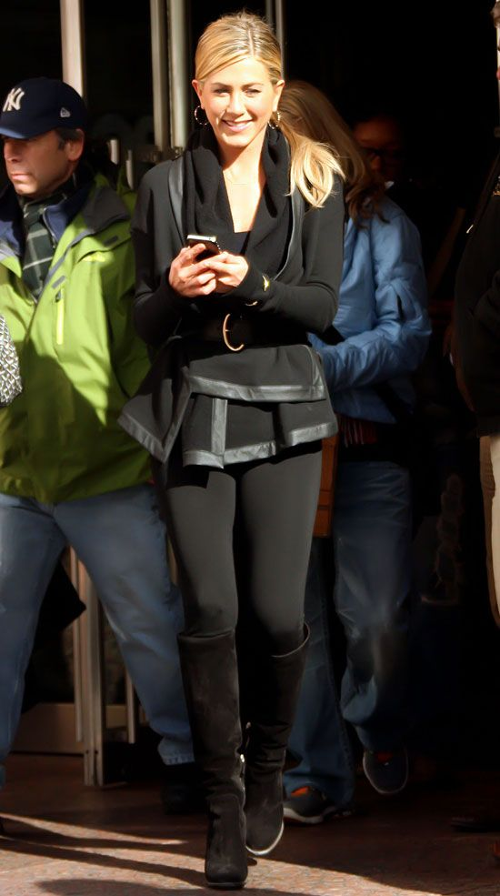 Pictures of Jennifer Aniston Filming Wanderlust in NYC Wearing All Black With an iPhone 4 | POPSUGAR Celebrity