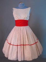 I have this in black and white polka dot with green accents. I LOVE THIS!