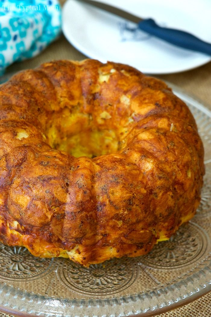 Bacon egg and cheese breakfast bundt cake is amazing and so easy!! You've got to make this at home, it is savory and perfect for breakfast or brunch.