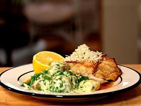 Smörstekt torskrygg med stuvad potatis | Recept från Köket.se
