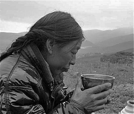 Tibetan Butter Tea Recipe      Ingredients:    • Water • Plain black tea (in bags or loose) • 1/4 teaspoon salt • 2 tablespoons butter • 1/2 cup milk or 1 teaspoon milk powder