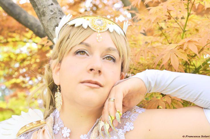 Estalith from Leodhrae www.aurorafilippi.com  Photo by: Francesca Solari https://www.facebook.com/Francesca-Solari-Photography-454269394624161/  Location: Parco Giardino Sigurtà (Italy) #leodhrae #fantasy #costume #cosplay #book #novel #god #gods #goddess #light #angel