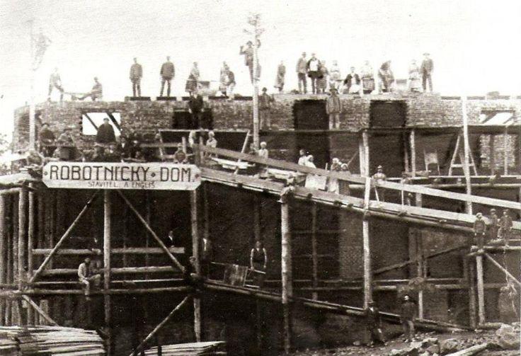 Historické fotky Handlovej - robotnícky dom