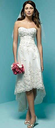 beach wedding dress http://roxyheartvintage.com