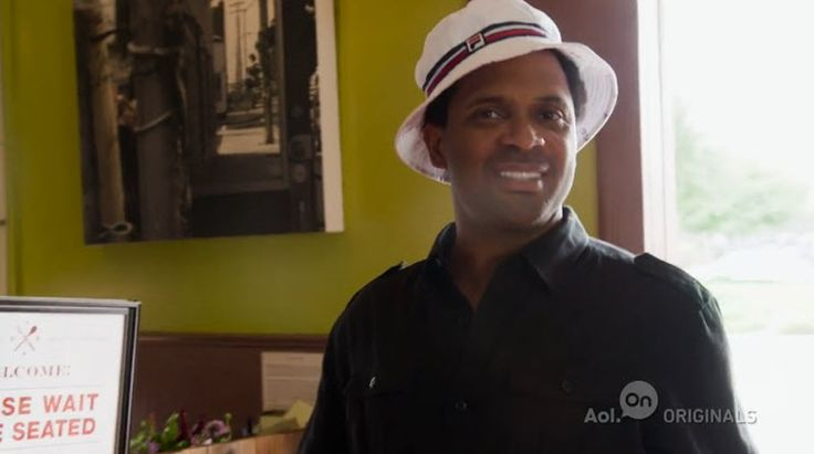 Mike Epps (@TheRealMikeEpps) That's Racist Ep. 1 #ThatsRacist [Video]- http://getmybuzzup.com/wp-content/uploads/2015/01/mike-epps.jpg- http://getmybuzzup.com/mike-epps-therealmikeepps-thats-racist-ep-1-thatsracist-video/- Black People Love Fried Chicken Why do black people love fried chicken? Is that even true? Mike Epps heads to Oakland to get to the bottom of this mystery, and to find out why it's considered a negative stereotype at all.Enjoy this videostream bel
