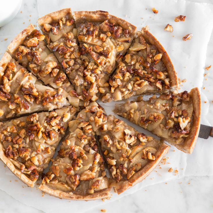 Es herbstet sehr: Apfel-Walnuss-Kuchen mit cremiger Füllung