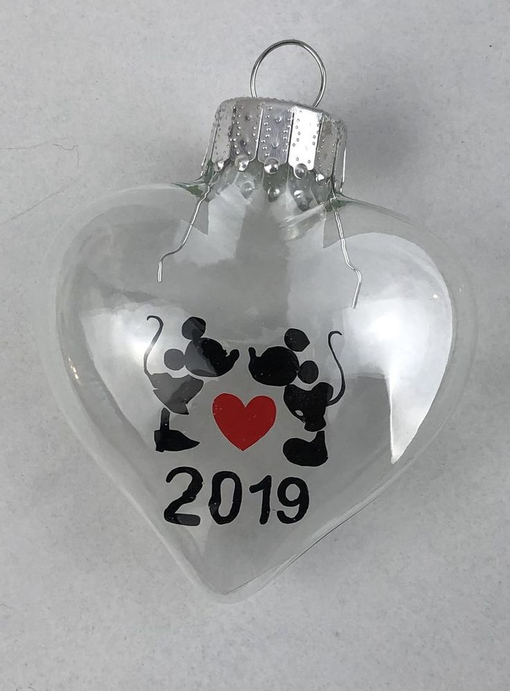Mickey And Minnie Mouse Kissing 2019 Floating Heart