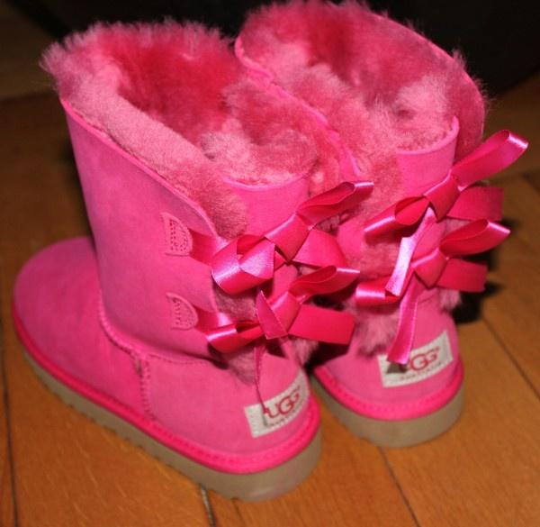 pink uggs ribbons