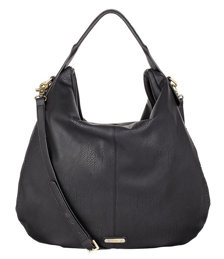 De Drew Hobo tas van Fiorelli is een tijdloos klassiek model. De schoudertas is vervaardigd van hoogwaardig PU-leer en sluit aan de bovenzijde met een rits (€79,00)