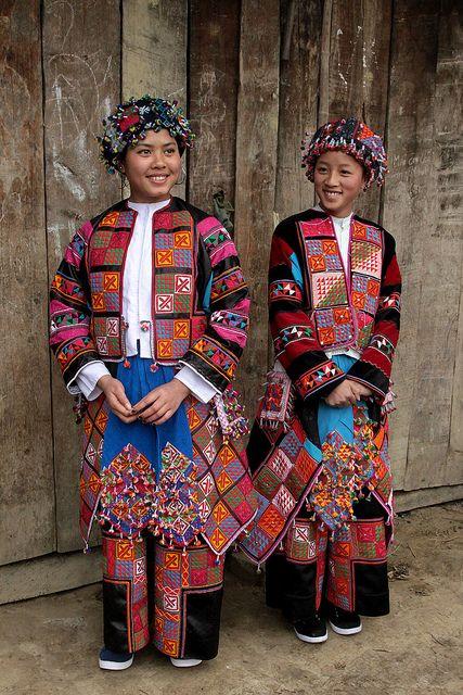 Costumes colorés de minorités ethniques au nord du Vietnam