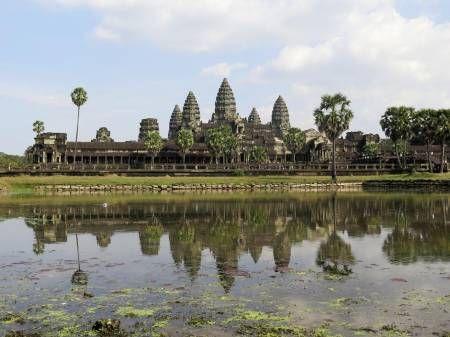 Tempelby. Angkor Wat er hovedtemplet i den cambodjanske ruinby. Venlige guddomme, dæmoner og nymfer indgår som en del af fortællingen om byen. Foto: Niklas Rehn.