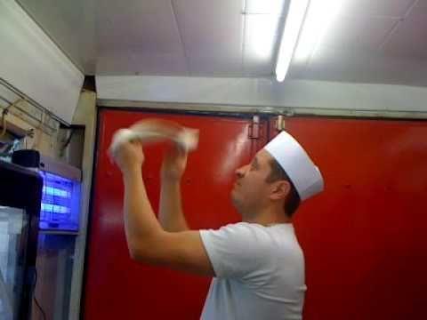 Grand classique de la culture culinaire italienne, la recette de la pâte à pizza …   – Plats de viande
