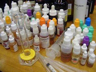 Make your own eliquid!  diy e liquid basics! electronic cigarette eliquid mixing tips.
