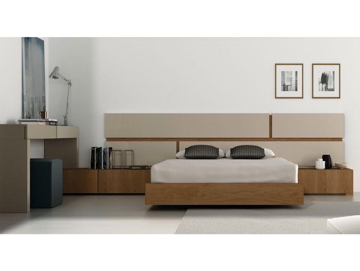 ¿Cómo podemos poner un escritorio en una habitación de matrimonio? Aquí algunas ideas para integrar un escritorio en un dormitorio.