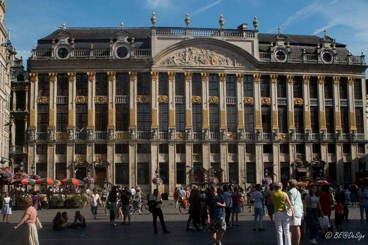Brussel - Grote Markt - Het huis van de hertogen van Brabant #Brussel #bruxelles #brussels #citytrip #stadsbezoek #belgium #belgië #relax #enjoy #genietenvankleinedingen #genieten #grotemarkt #grote_markt #grandplace #grand_place #canon #canonbelgium #canonphoto #canonphotography #canonartists #be_at_design