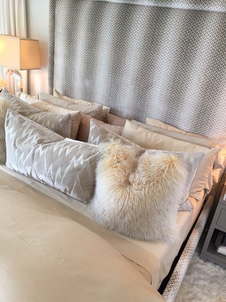Chloe 39 s kardashian bed stefaniachrys pillows pinterest kardashian pillows and bedrooms Master bedroom throw pillows