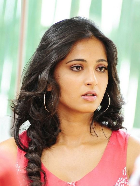 Tamil Actress Wallpapers Free Download Epic Car Wallpapers Actress Wallpaper Actress Anushka Anushka Photos