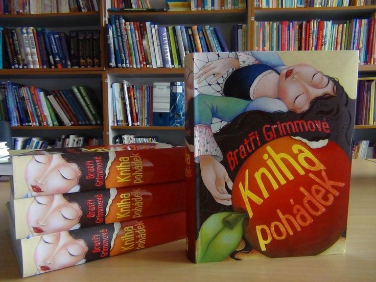 V této krásně ilustrované knížce najdete na 500 stránkách 50 okouzlujících pohádek od bratří Grimmů, nejznámějších pohádkářů všech dob.#kniha #pohadky #deti #grimm