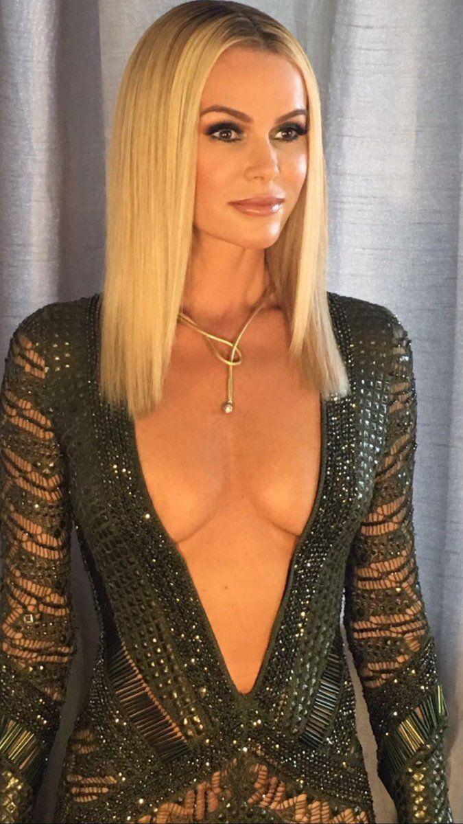 """CelebrityMILFs Twitterissä: """"#AmandaHolden #BGT finals week. Stunning every night. #Milf #KnowsIt #FlauntsIt #Filth #LoveHer #Sexy 😍😍😍😛😛😛💕💕💕 https://t.co/eO9xzYJ6RQ"""""""